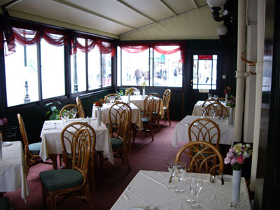 Restaurant Awnings and Pub Awnings