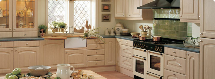 Delicieux Rolleston Swiss Pear Kitchen Furniture