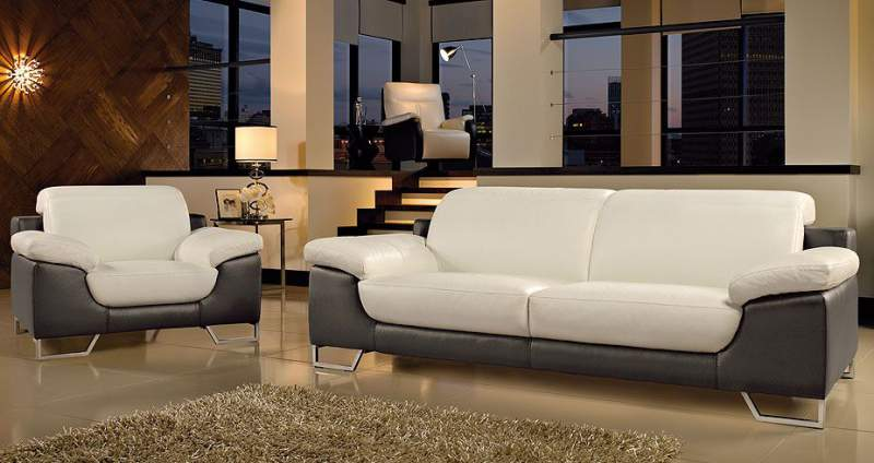 Leather Sofa in Doncaster