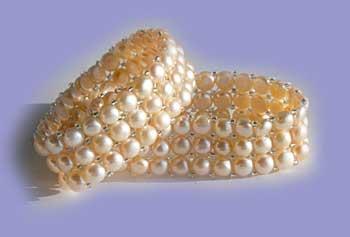 Buy Elasticated multi-strand Cultured Pearl Bracelet
