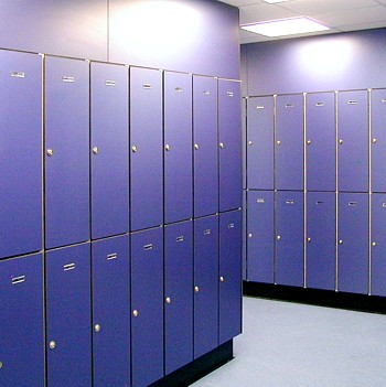 Cascade lockers