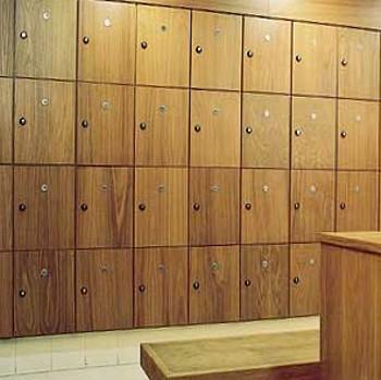 Reflex lockers