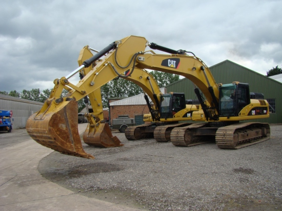 Buy Экскаватор Caterpillar 330 DL