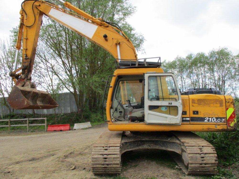 Buy Hyundai Robex 210Lc-7 Excavator Construction Machinery /Trucks/cars