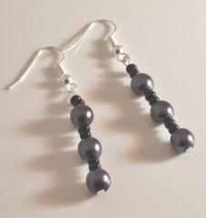 Freshwater black pearls and bead earrings