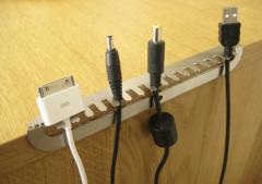 Toothy cable tidy by Headsprung