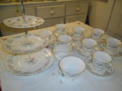 Colclough set of 8 cups, cake stand, sugar bowl