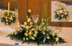 Long low table decoration