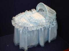 Luxury padded moses basket