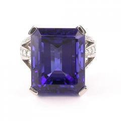 Fabulous Tanzanite & Diamond dress ring