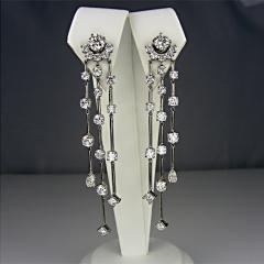 Diamond drop earrings in platinum