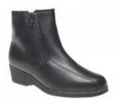 Womens boot leather upper lambswool lining rubber
