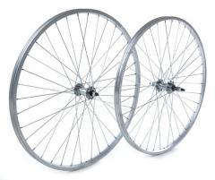 Steel Nutted Axle Wheels