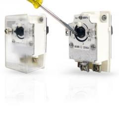 Pressure Switches With Internal Regulation
