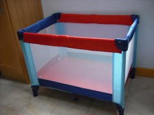 Little Shield Travel Cot