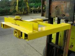 Self Locating Fork Lift Yoke