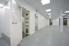 Controlled environments / clean rooms partitions