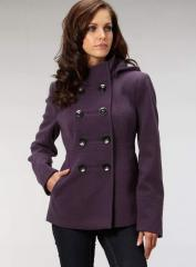 Plum short duffle coat