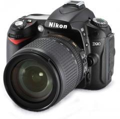 Nikon D90 + 18-105mm Lens Kit Camera