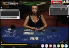 Multiplayer live dealer Texas Holdem poker