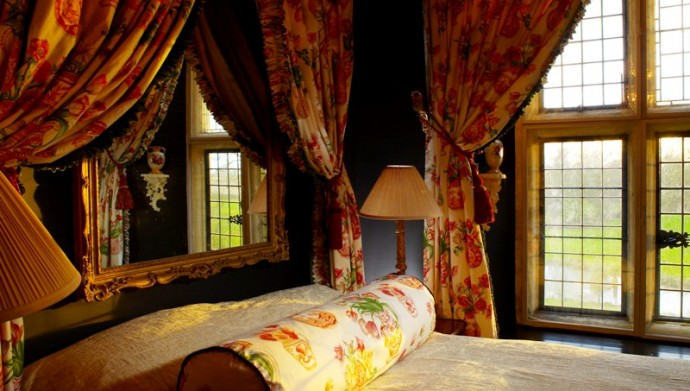 Order Intimate Double Room