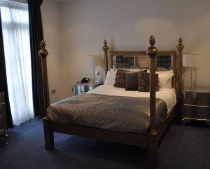 Order Damask bedroom