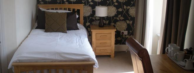 Order Single En Suite Room
