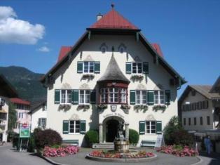 Order Austria Tour including Vienna, Saltzburg, Lakes and Mountains