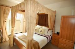 Four poster Double En-suite Room