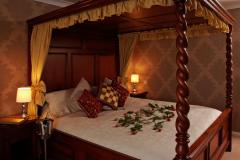 Four-poster rooms