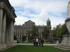 Walking tour of Belfast