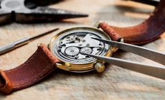 Watchmakers and service centres