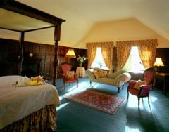The Jacobean 4 Poster Suite